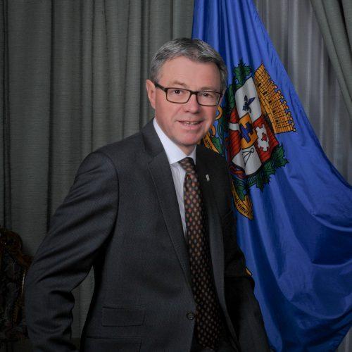Claude Corbeil
